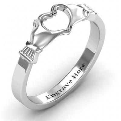 Sculpted Hand Heart Ring - The Handmade ™
