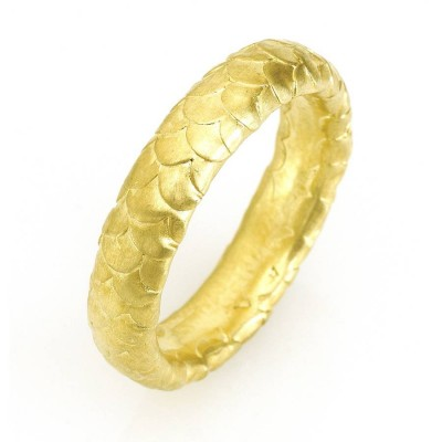 Gents Fish Scale Pattern Wedding Ring In Gold - The Handmade ™