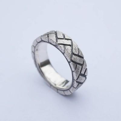 Herringbone Brick Silver Ring - The Handmade ™