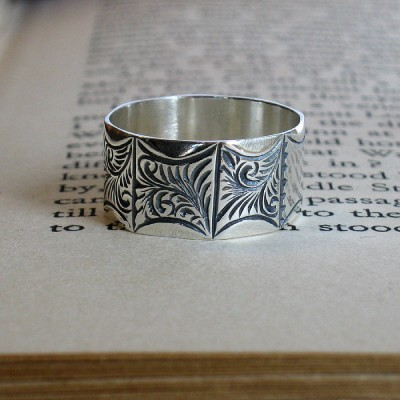 Mens Victorian Style Ring - The Handmade ™